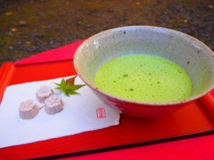 お菓子に使われている抹茶(薄茶)の入れ方と日本茶・抹茶の違い