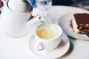 何のお菓子が合う?紅茶の濃厚な香りと甘みを楽しむ政和工夫について